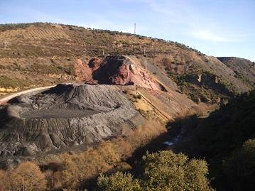 Ecologistas en Acción amenaza con denunciar ante el Fiscal de Medio Ambiente obras ilegales en Fabero (03/10/09).