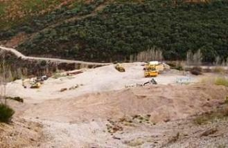 Ecologistas en Acción considera que el precintado de la cantera de Muces devuelve la normalidad legislativa al Bierzo (18/11/09).